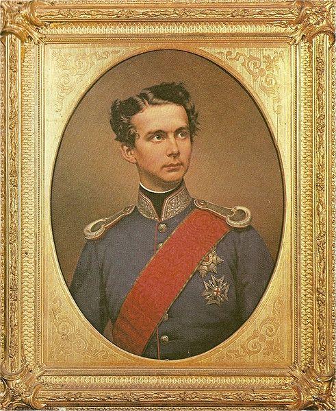 http://commons.wikimedia.org/wiki/File:K%C3%B6nig_Ludwig_II_in_bayrischer_Generalsuniform.jpg